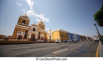 Time Lapse Traffic with the Kathedral of Trujillo in Peru -...