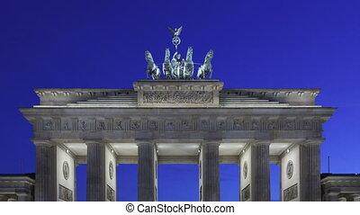 Time lapse zoom Brandenburg Gate