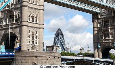 timelapse, 발사, 의, 탑 교량, 에서, 런던, 통하고 있는, a, 좋은, 여름의 날, 런던