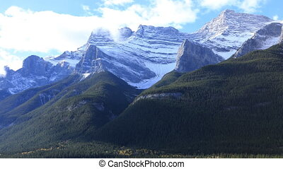 timelapse, berg overzicht, in, nationaal park banff, canada