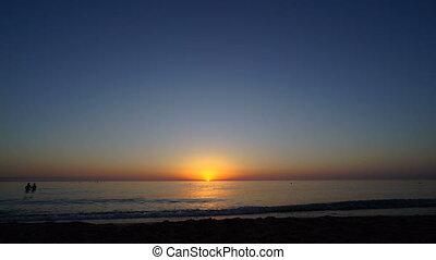 timelapse, de, amanhecer, sobre, a, mar