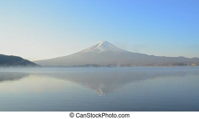 Timelapse mount fuji reflect on water in the morning at kawaguchiko lake japan