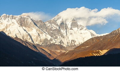 Timelapse of Golden Everest, Himalayas - Golden Everest