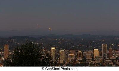 Timelapse of moonrise Portland OR - UHD 4k timelapse movie...