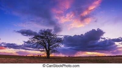 Timelapse of sunlight emerging through fluffy clouds, trust ...