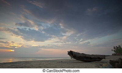 Timelapse of sunset on the ocean shore. Andreev.