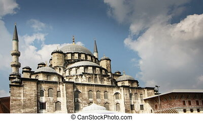 timelapse of the yeni cami mosque in istanbul, turkey