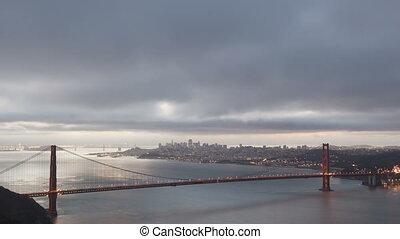 Timelapse sunrise Golden Gate - Time lapse sunrise Golden...