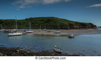 fast back and forth Time lapse footage of the tide rising and falling, Solva, Pembrokeshire, Wales