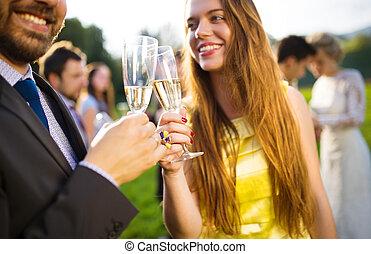 tintement, invités mariage, lunettes