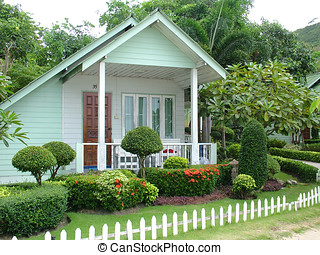 Tiny White Cottage - A Small Holiday Cottage with Garden