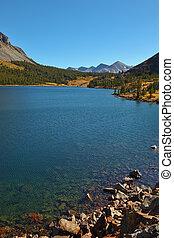 tioga 湖, 山。