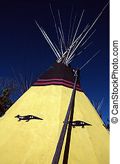 Tipi 2 - Indian colorfull tipi exposition in...