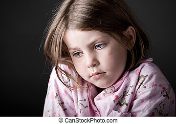 tiro, de, niño joven, mirar, triste