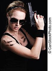 tiro, de, um, excitado, militar, mulher, posar, com, arma