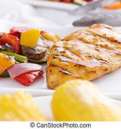 tiro, vegetales, arriba, mazorca, barbacoa, asado parrilla, cierre, maíz de pollo