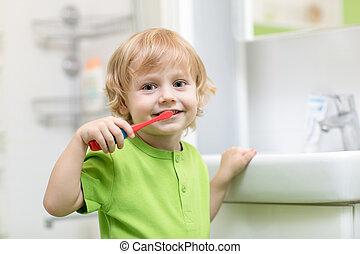 tisztítás, bathroom., fogászati, gyermek, fog, hygiene., kölyök, vagy, boldog