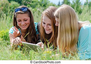 tizenéves lány, barátok, három, boldog