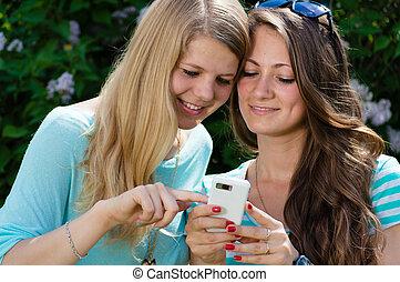 tizenéves lány, barátok, két, boldog