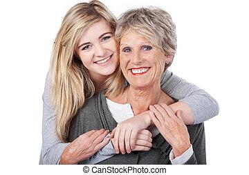 tizenéves, nagyanya, mögött, átkarolás, leány, boldog