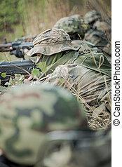 tjäna som soldat, utbildning, in, den, skog