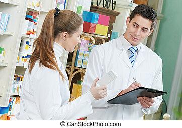 to, apotek, apotekeren, arbejdere, ind, drugstore