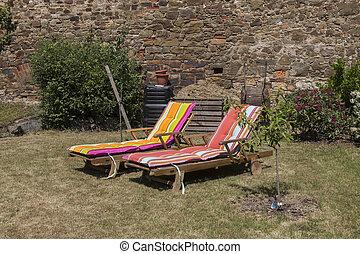 to, græsplæne stol, på, den, sun-drenched, have