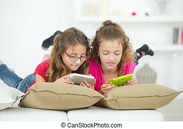 to, små piger, boldspil spille video