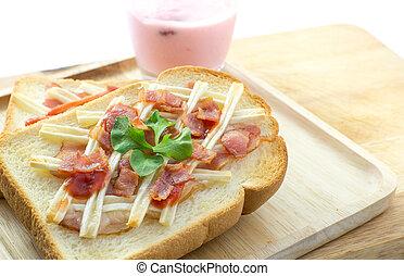 toast, pain, à, lard, fromage, et, fraise, yaourth