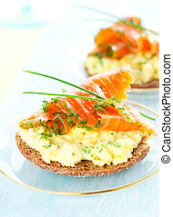 toast with scrambled eggs,salmon and chives - Scrambled egg...