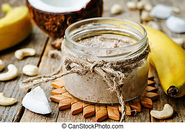 toasted cashew banana coconut butter. the toning. selective...