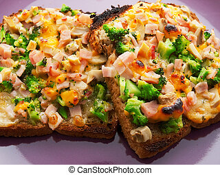 Toasts with broccoli and cheese