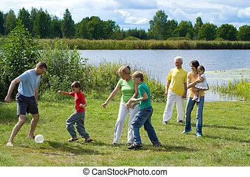 tocando, família, feliz
