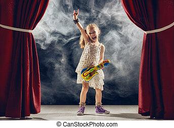 tocando, fase, menina, guitarra