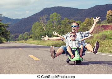 tocando, pai, road., filho