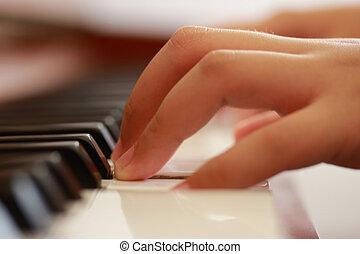 tocando, piano ereto, menino, jovem