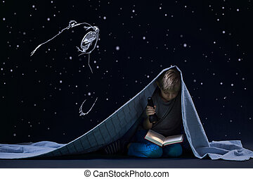 tocha, leitura, noite