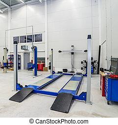 Toe-out car equipment in a car repair station