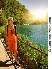toerist, het ontwaken, in, bos, dichtbij, de, meer