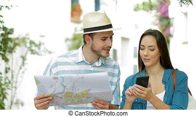 toeristen, grondig, plaatsen, met, telefoon, en, kaart