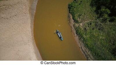 toeristen, het genieten van, kayaking, op, kleine, rivier,...