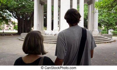 toeristen, vrouw, bezoek, jonge man