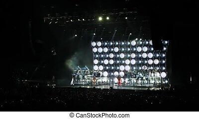 toeschouwers, concert, dancing, zetten, scène, zangers, zaal...