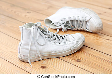 toile, chaussures