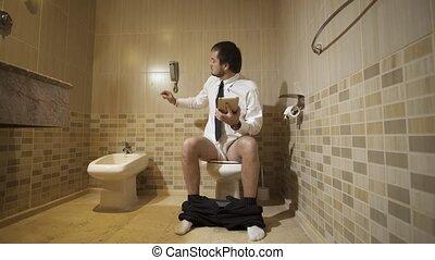 toilette, working., séance, toilettes, téléphone, 4k, luxueux, homme