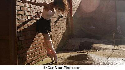 toit, danseur féminin