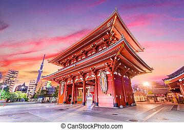 Sensoji Temple gate in Tokyo, Japan.