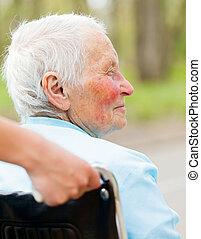 tolószék, nő, öregedő, szabadban