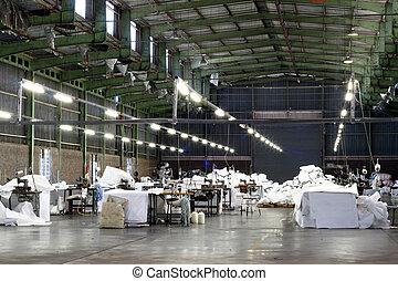 tom, fabrik