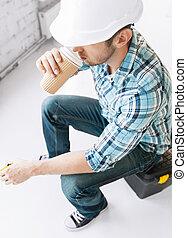 toma, constructor, café de bebida, lejos